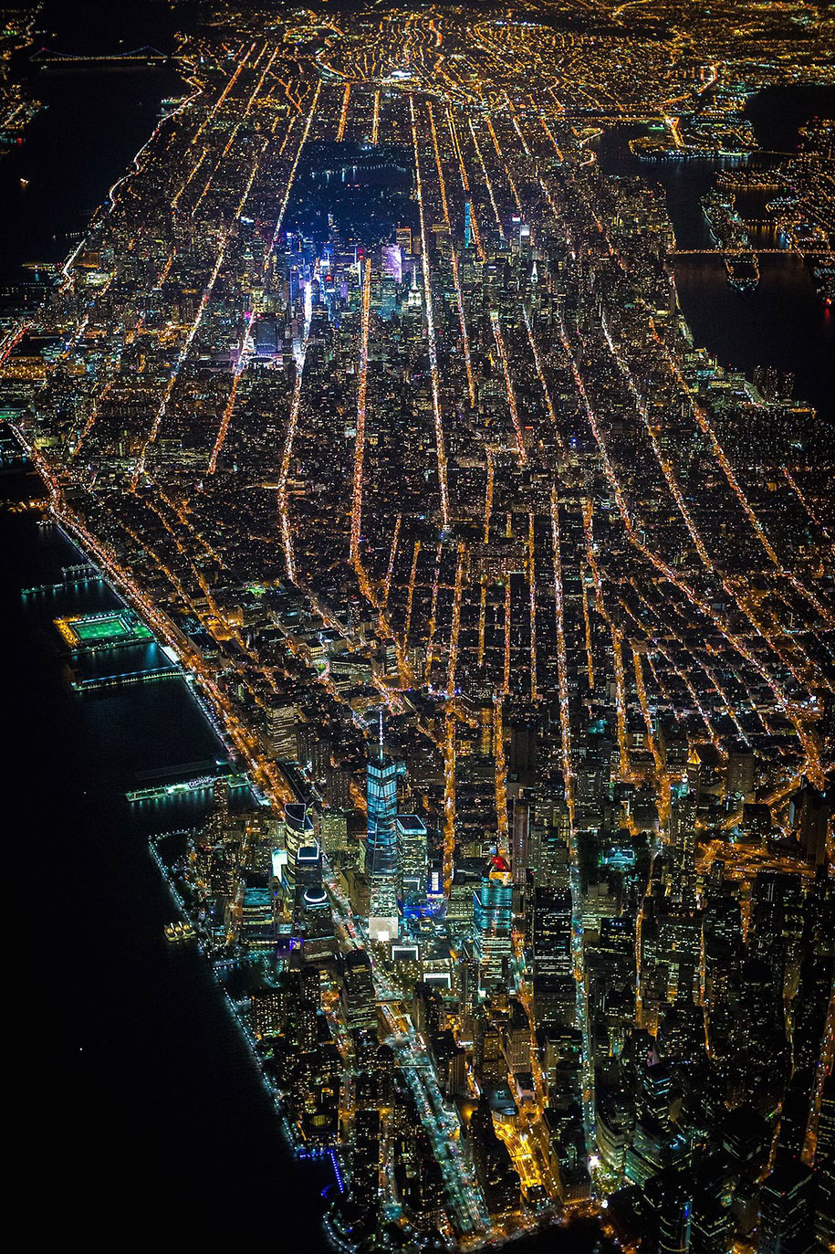 New York at Night looks like William Gibson's vision of cyberspace in Neuromancer
